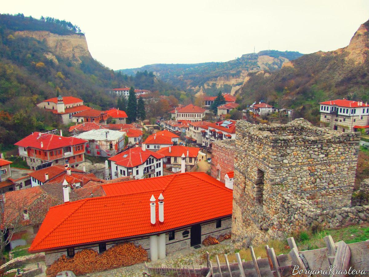 Градът на виното и златния прах