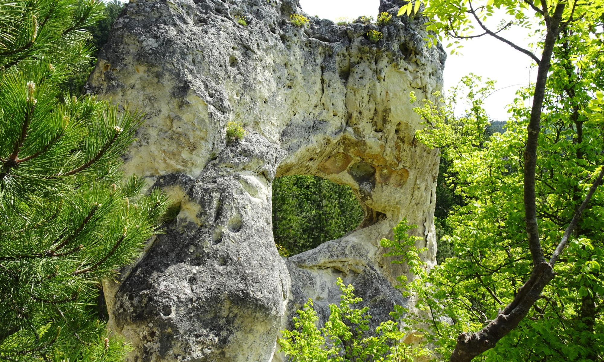 скален манастир, Осмар, окото на Осмар