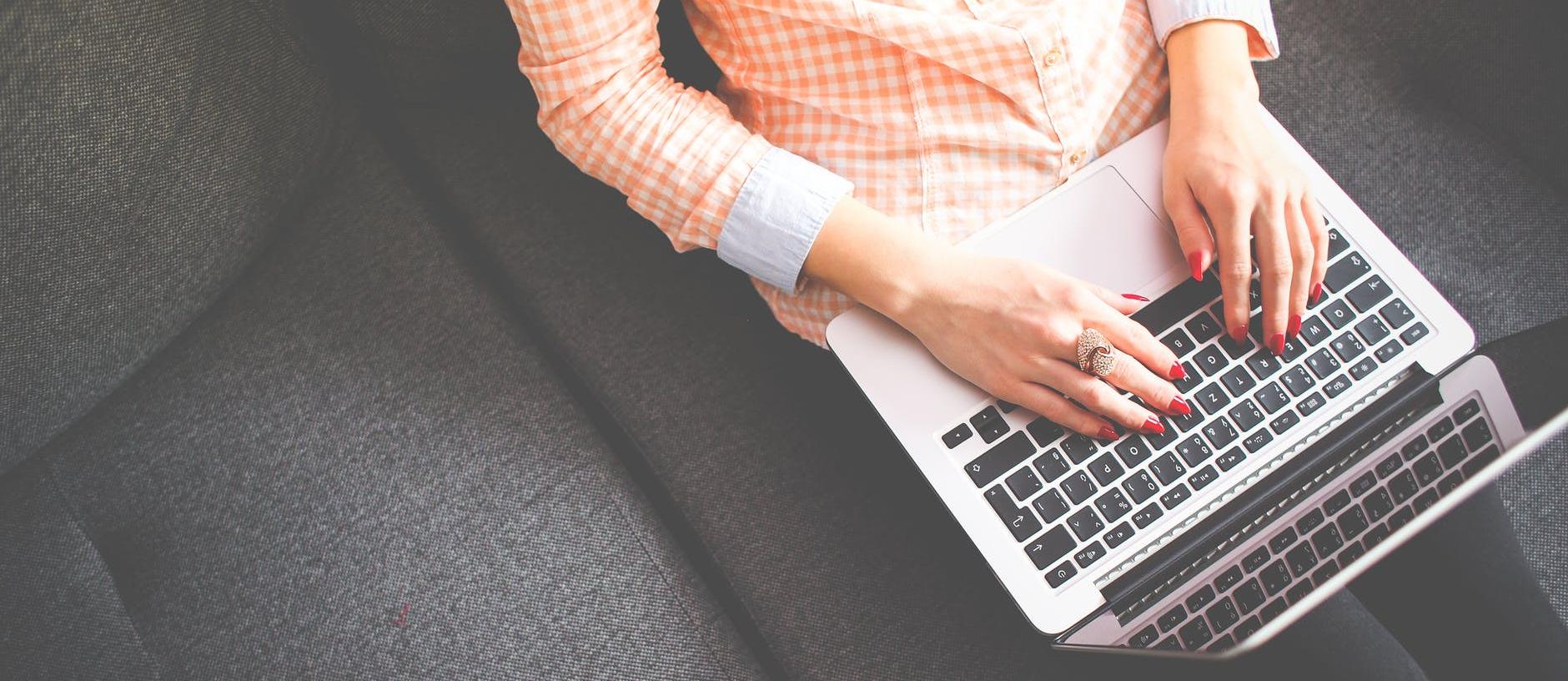 работете с мен, блог, лаптоп