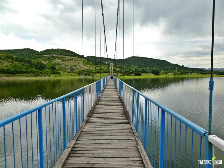 въжен мост в село Лисиците, Студен кладенец