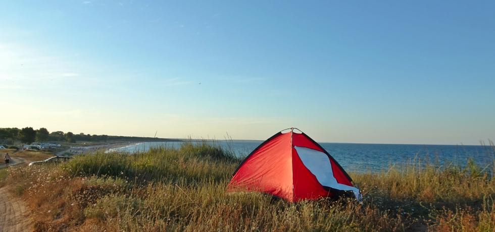червена палатна на море, Крапец, къмпинг